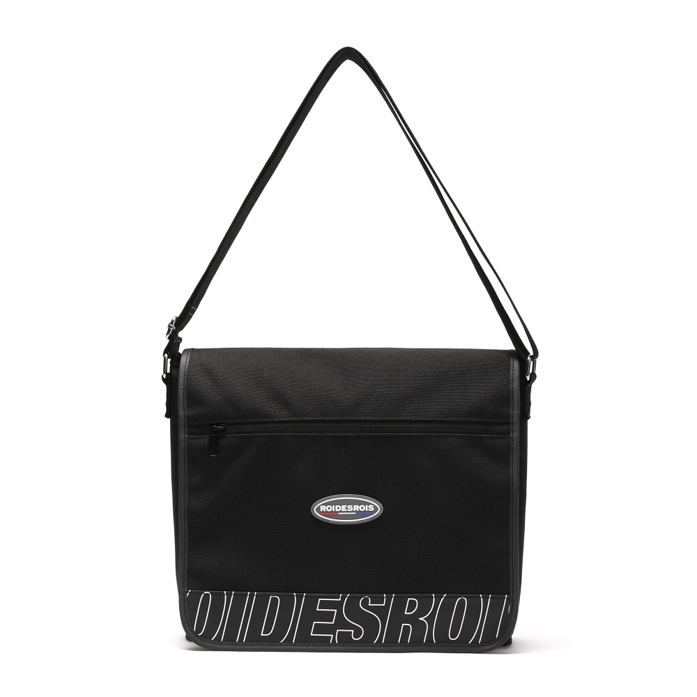 [#아울렛 한정_특가상품]R RUBBER LABEL COVER MESSENGER BAG (BLACK)